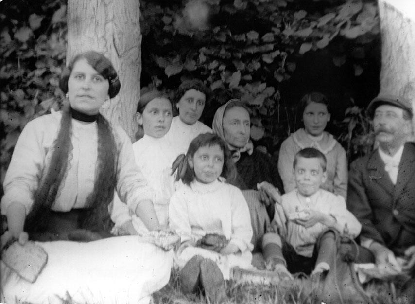 Tono Perruquers Terrassa : Arxiu dimatges consell cultural de les valls dÀneu